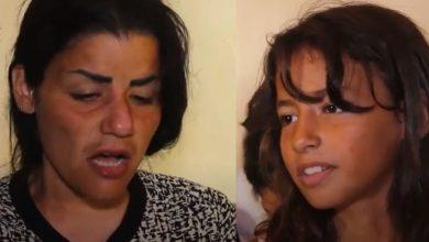 صورة مأساة لبنانية رمت طفلها بالبحر بعد موته في عبارة للاجئين