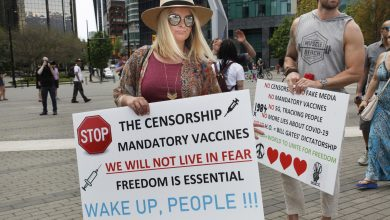 صورة تراجُع دعم إلزامية التلقيح ضدّ وباء كورونا … إليكم آخر المستجدات !