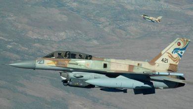 صورة مقتل 3 عسكريين من قوات النظام السوري بغارات إسرائيلية