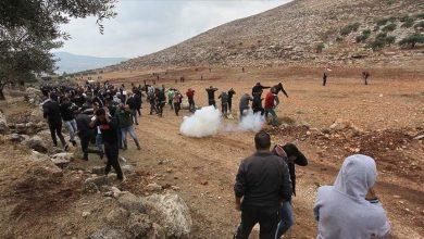 صورة إصابة فلسطينيين خلال مواجهات مع جيش الإحتلال الإسرائيلي شمالي القدس