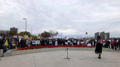 صورة على وقع التظاهرات.. مدينة ويندسور تصدر لائحة بالأماكن المفتوحة و المغلقة !