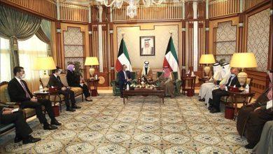 صورة وزير الخارجية التركي يلتقي رئيس الوزراء الكويتي
