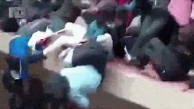 صورة شاهد انهياراً دموياً لطابق والطلاب يتساقطون واحداً بعد آخر