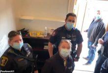 صورة شاهد : قس كندي يطرد الشرطة و يصفهم بالفراعنة و النازيين