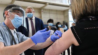 صورة اللقاح متوفر في وندسور لمن أعمارهم 50 عامًا و أكثر على شرط !
