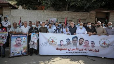 صورة وقفة دعم للأسرى الفارّين عقب إعادة إسرائيل اعتقالهم